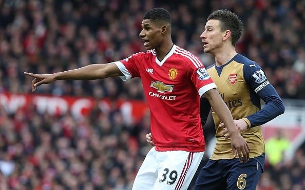 Arsenal 3-2 Swansea: 'Phao thu' thang du choi thieu nguoi hinh anh 9