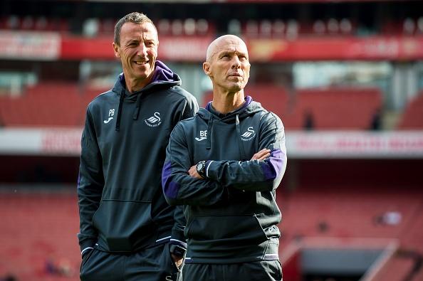 Arsenal 3-2 Swansea: 'Phao thu' thang du choi thieu nguoi hinh anh 10