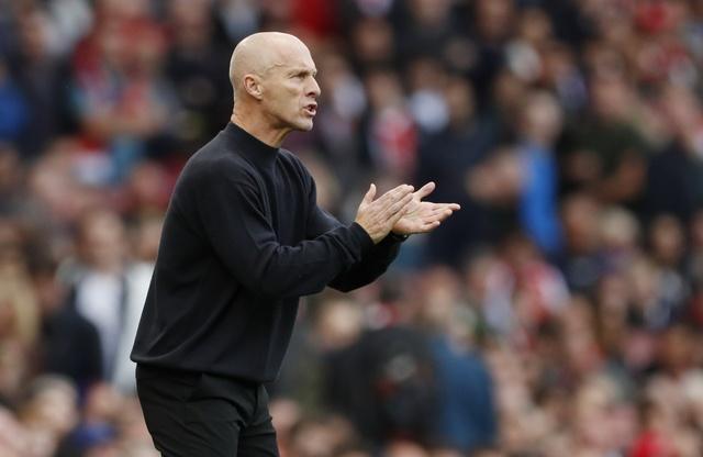 Arsenal 3-2 Swansea: 'Phao thu' thang du choi thieu nguoi hinh anh 12