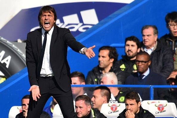 Chelsea 3-0 Leicester: Giai nguy cho Antonio Conte hinh anh