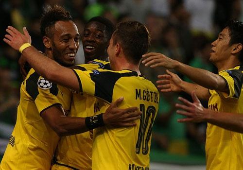 Dortmund tiep tuc dung tren Real nho Aubameyang hinh anh