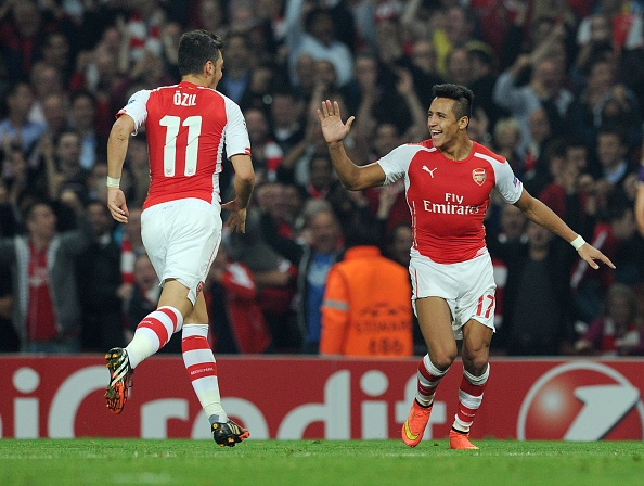 'Tham hoa cho Arsenal neu mat Oezil va Sanchez' hinh anh 1