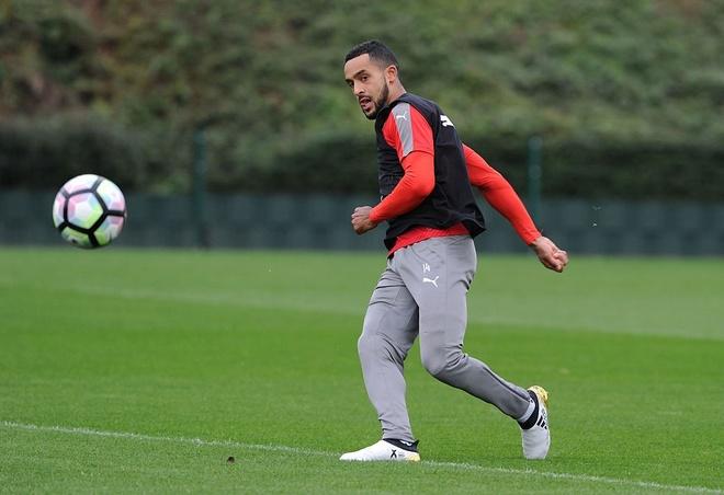 Arsenal khien Wenger kem vui trong ngay sinh nhat thu 67 hinh anh 6