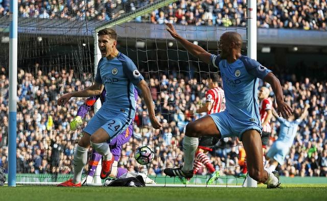 Guardiola tiec nuoi du Man City tro lai ngoi dau bang hinh anh 19