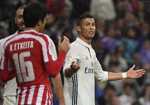 Ronaldo khoi dau mua giai te nhat tu khi den Real hinh anh