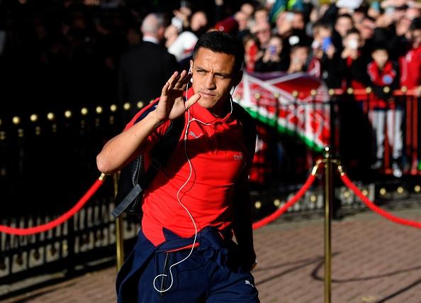 Giroud va Sanchez lap cu dup, Arsenal co tran thang 4-1 hinh anh 11