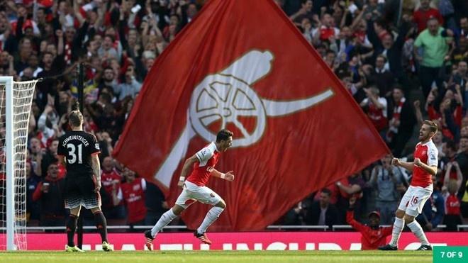Giroud va Sanchez lap cu dup, Arsenal co tran thang 4-1 hinh anh 2