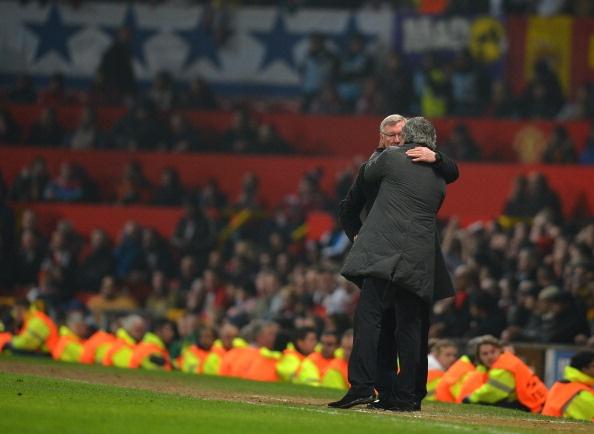 CDV MU doi sa thai Mourinho, hy vong Sir Alex tro lai hinh anh 1