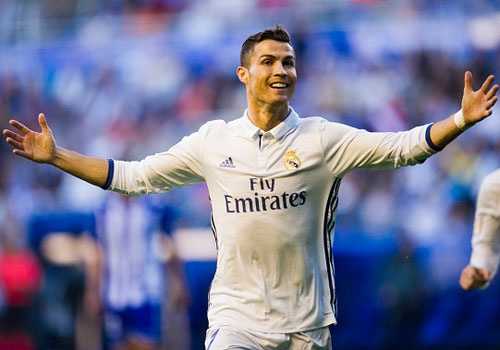 Ronaldo ky hop dong moi voi Real tuan toi hinh anh