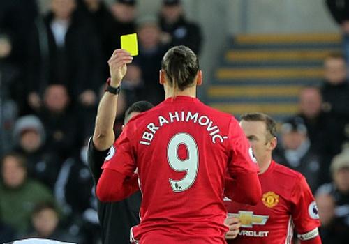 MU mat Ibrahimovic khi cham tran Arsenal hinh anh