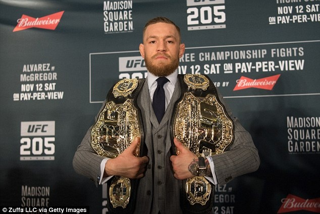 McGregor vui ve ben ban gai anh 3