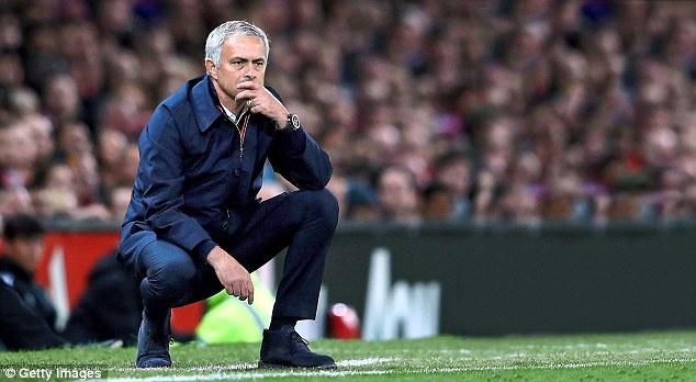 Nghi van Jose Mourinho muon dua Pique ve MU hinh anh 9