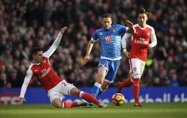 Arsenal 3-1 Bournemouth: Sanchez lap cu dup hinh anh 17