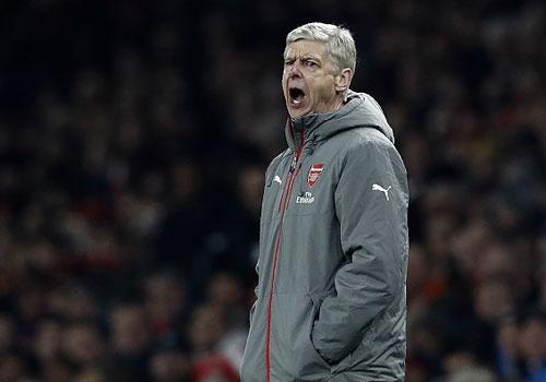 Arsenal dung buoc o tu ket League Cup sau tran thua 0-2 hinh anh
