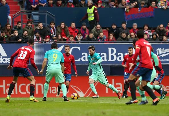 Osasuna 0-3 Barca: Messi lap cu dup ban thang hinh anh 11