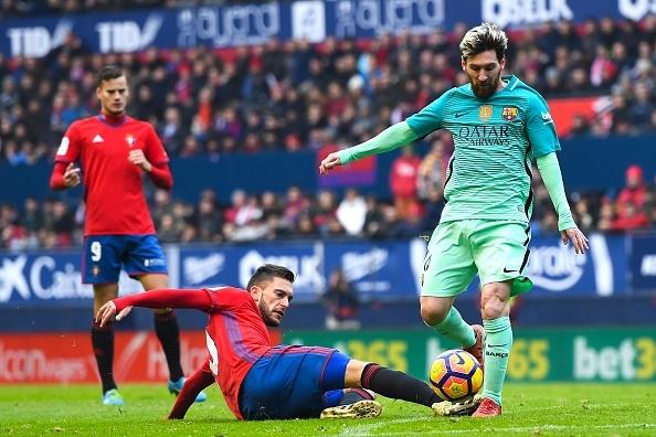 Osasuna 0-3 Barca: Messi lap cu dup ban thang hinh anh 16