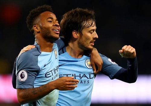 Man City tro lai manh me sau that bai truoc Leicester hinh anh