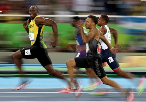 'Tia chop' Bolt lot hinh anh the thao an tuong nam 2016 hinh anh