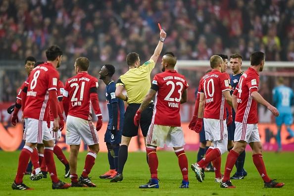 Bayern thang 3-0 truoc 'doi bong bi ghet nhat nuoc Duc' hinh anh 6