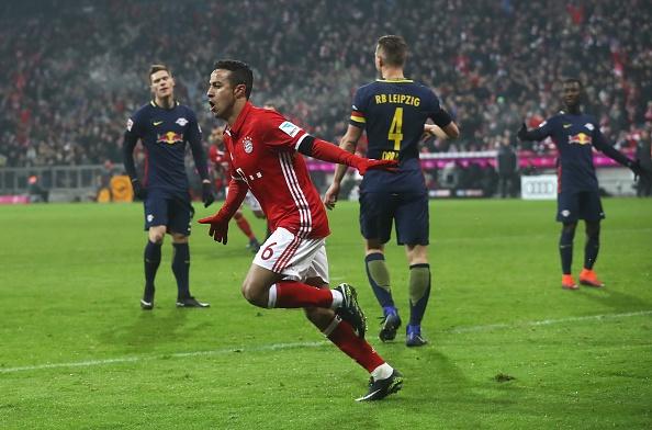 Bayern thang 3-0 truoc 'doi bong bi ghet nhat nuoc Duc' hinh anh 3