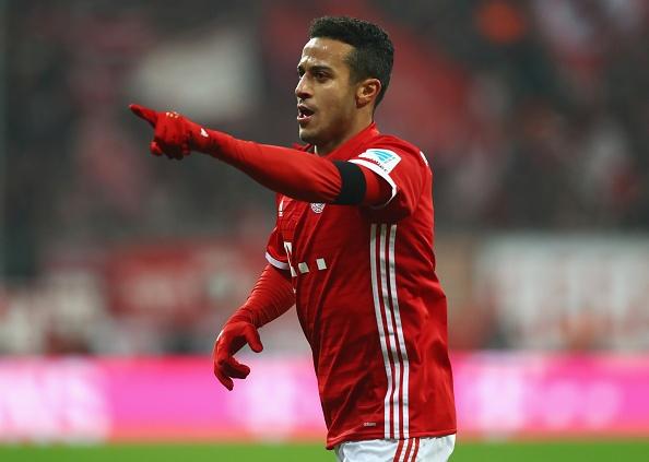 Bayern thang 3-0 truoc 'doi bong bi ghet nhat nuoc Duc' hinh anh 4