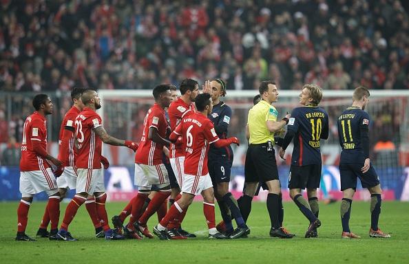 Bayern thang 3-0 truoc 'doi bong bi ghet nhat nuoc Duc' hinh anh 2