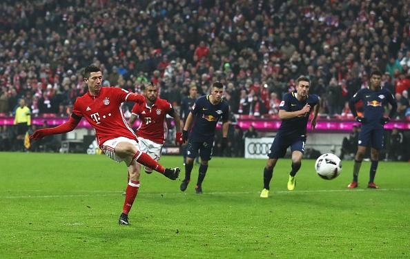 Bayern thang 3-0 truoc 'doi bong bi ghet nhat nuoc Duc' hinh anh 7