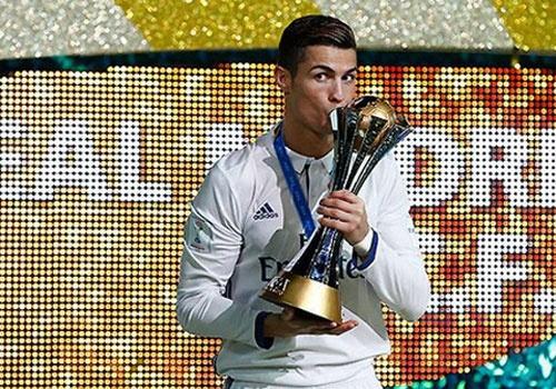 Ronaldo khien doi bong cua Trung Quoc vo mong hinh anh 1