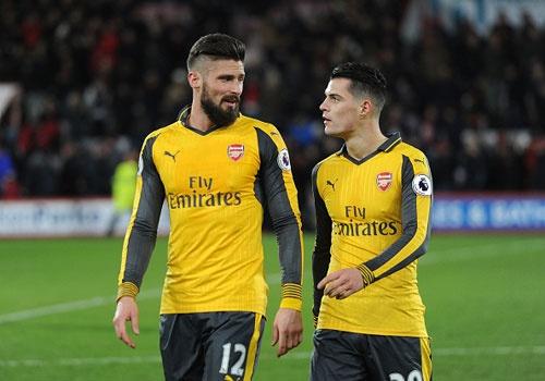Bi dan 3 ban, Arsenal vat va hoa Bournemouth 3-3 hinh anh