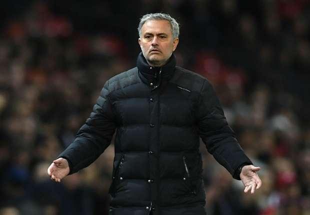 Mourinho chua hai long voi co dong vien MU hinh anh 1