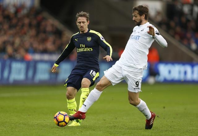 Giroud va Sanchez ghi ban, Arsenal thang Swansea 4-0 hinh anh 19