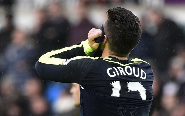 Giroud va Sanchez ghi ban, Arsenal thang Swansea 4-0 hinh anh 22
