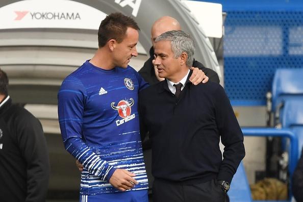 Chelsea tiet lo tien boi thuong cho Mourinho hinh anh 1