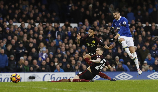 Everton 4-0 Man City: Doi bong cua Guardiola sup do hinh anh 28