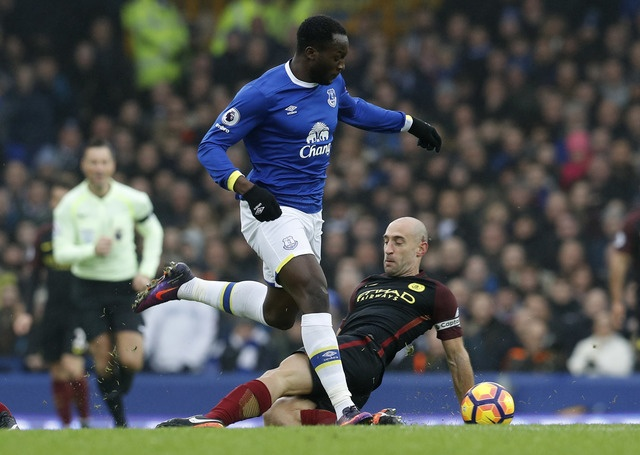 Everton 4-0 Man City: Doi bong cua Guardiola sup do hinh anh 21