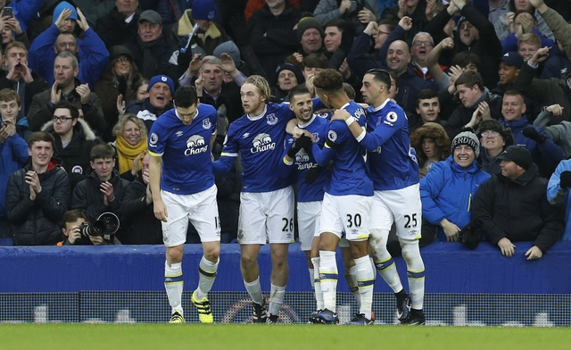 Everton 4-0 Man City: Doi bong cua Guardiola sup do hinh anh 29