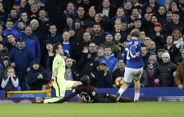 Everton 4-0 Man City: Doi bong cua Guardiola sup do hinh anh 33