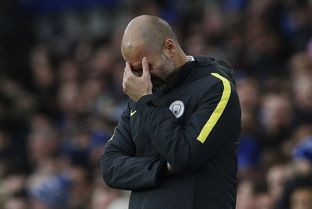 Everton 4-0 Man City: Doi bong cua Guardiola sup do hinh anh 26