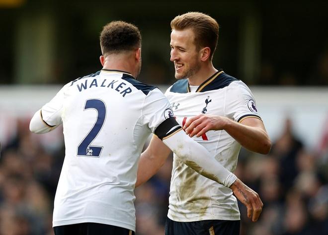 Dan truoc 2 ban, Man City van khong the thang Tottenham hinh anh 2