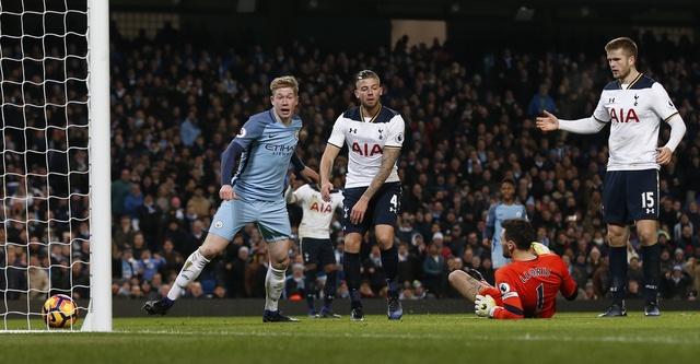 Dan truoc 2 ban, Man City van khong the thang Tottenham hinh anh 31