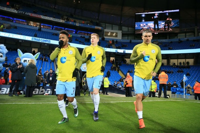 Dan truoc 2 ban, Man City van khong the thang Tottenham hinh anh 19