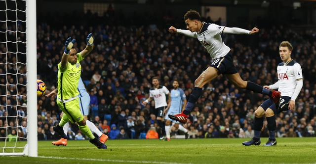Dan truoc 2 ban, Man City van khong the thang Tottenham hinh anh 32