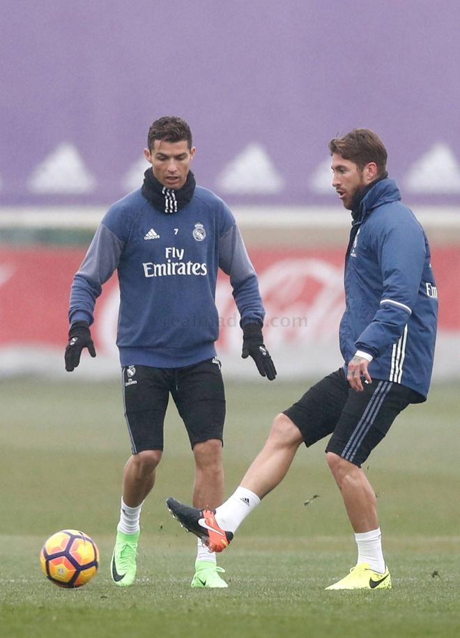 Real don Modric va Gareth Bale tro lai anh 9