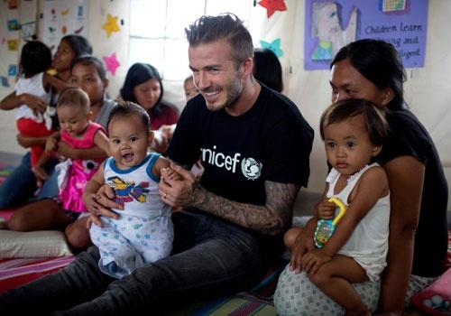 Beckham lam tu thien de duoc phong tuoc Hiep si hinh anh