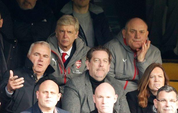 Arsenal hop khan cap truoc nguy co khung hoang hinh anh 1