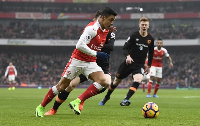 Arsenal vs Hull City (2-0): Sanchez ghi ban bang tay hinh anh 14