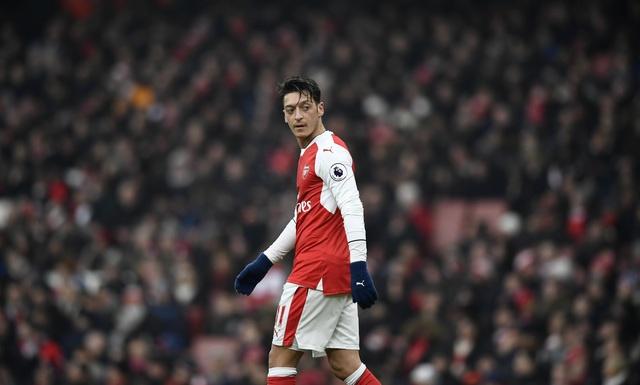 Arsenal vs Hull City (2-0): Sanchez ghi ban bang tay hinh anh 17