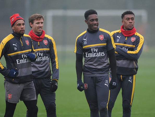 Wenger keu goi CDV Arsenal dung chi trich Oezil hinh anh 9