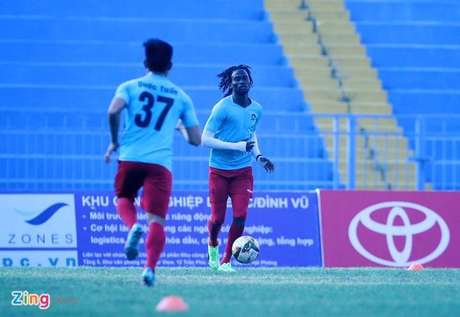 CLB Hai Phong 1-1 CLB Ha Noi: Quang Hai tiep tuc ghi dau an hinh anh 10