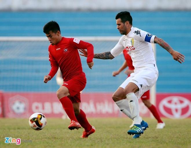 CLB Hai Phong 1-1 CLB Ha Noi: Quang Hai tiep tuc ghi dau an hinh anh 11
